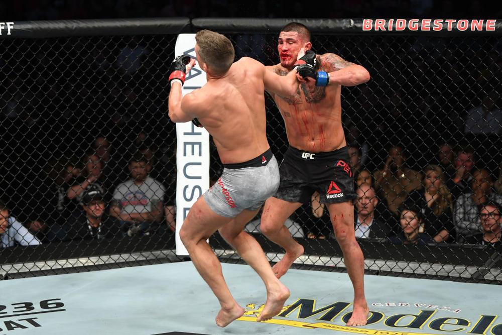 """【UFC】アンソニー・ペティスが""""スーパーマンパンチ""""で トンプソンをKO「ウェルター級でRDAともう一度、ライト級でバルボーザとゲイジーの勝者とやりたい」=3.24 UFN勝者コメント"""