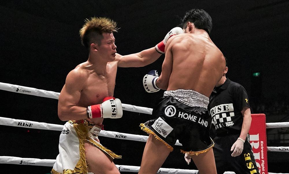 【RISE】那須川天心が必殺の胴廻し回転蹴りでスアキムを切り裂きTKO勝ち、決勝はルンキット破った志朗との日本人対決