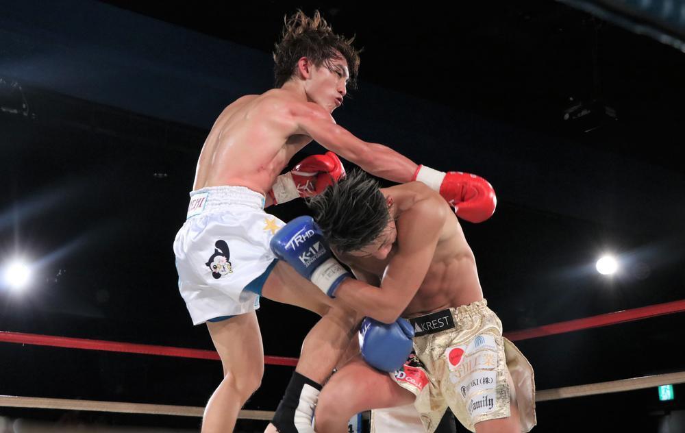 【K-1 KHAOS】全員デビュー戦の格闘代理戦争チームがK-1選抜チームに勝利、メインは松本日向が橋本実生との接戦制して一矢報いる