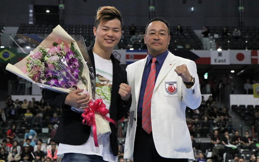 【新極真会】那須川天心が全世界選手権に来場、挨拶「今でも武道の気持ちは忘れてないです。空手に感謝しています」