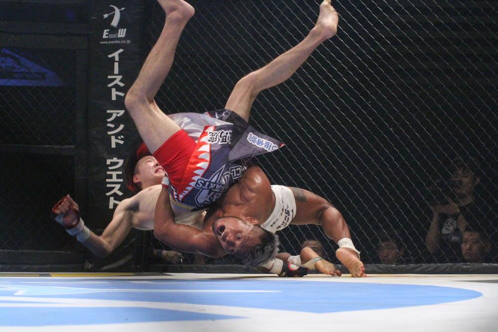 【DEEP】武田光司が大原樹里に一本勝ち王座防衛! マルティネスが誠悟にTKO勝ち。女子4試合も