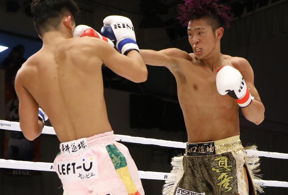【RISE】TKO防衛の鈴木真彦、リングサイドの那須川天心を見て「ここは意地でも倒さなあかんと思った」