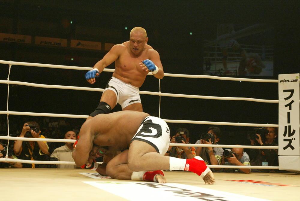 【2004年5月の格闘技】藤田和之vsボブ・サップの日米野獣対決は藤田が圧倒TKO勝ち