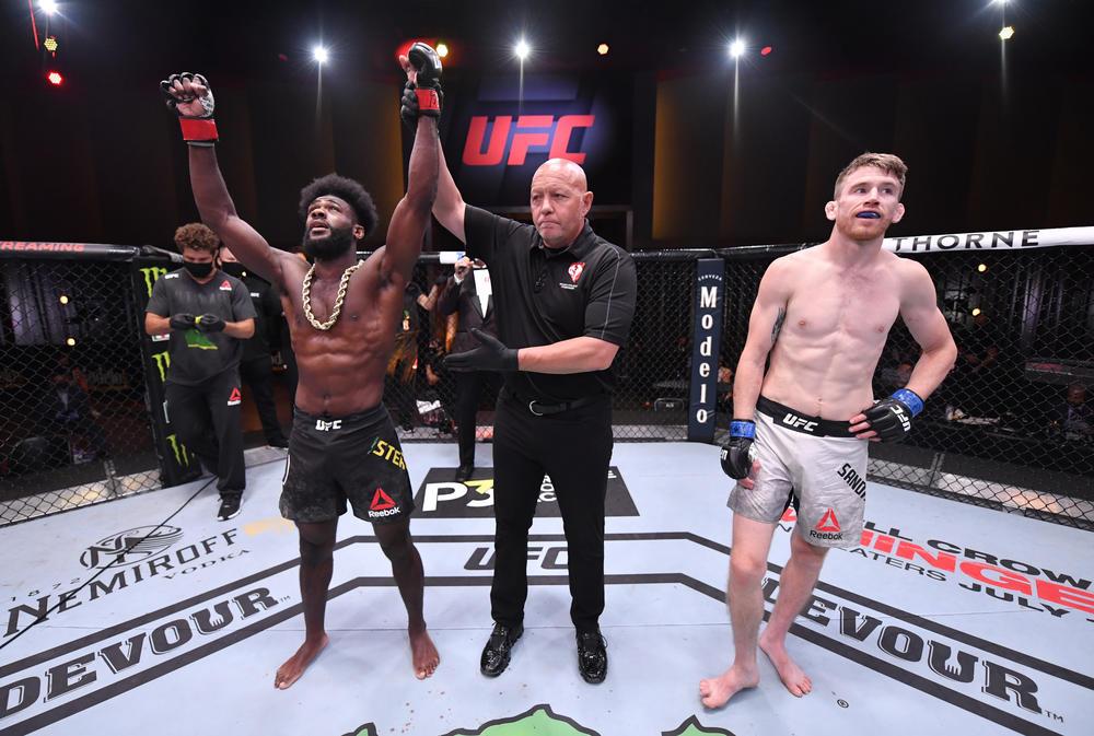【UFC】黄金のバンタム級戦線、佐々木憂流迦も歓喜の88秒バックチョークでスターリングが5連勝。王座獲りへ