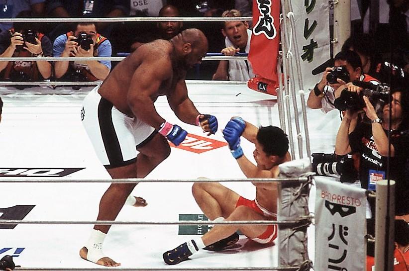 【2002年6月の格闘技】無差別級に挑んだ田村潔司、ボブ・サップに11秒でTKO負け