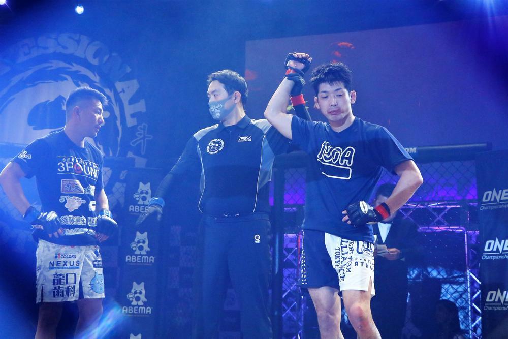 【修斗】藤井伸樹が加藤ケンジに判定勝ち、ZST王者・山田崇太郎が修斗初参戦で一本勝ち、西川大和がTKO勝ちで「UFC王者になります!」=第1部