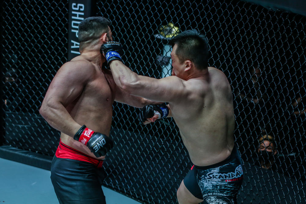 【ONE】元RIZINアリアックバリがKO負け! 韓国のジウォンがまたも逆転勝利。中原由貴がTKO勝ち! 高橋遼伍は敗れる