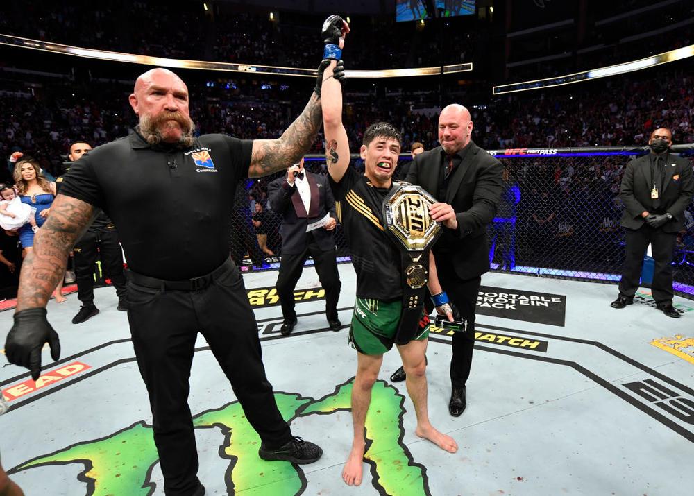 【UFC】メキシコ人史上初のUFC世界王者ブランドン・モレノ「諦めないで。本当に実現したいならやり続けること」